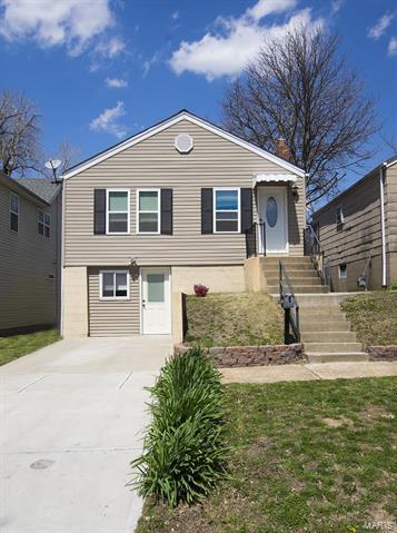 7165 Lindenwood Place, St Louis, MO 63109
