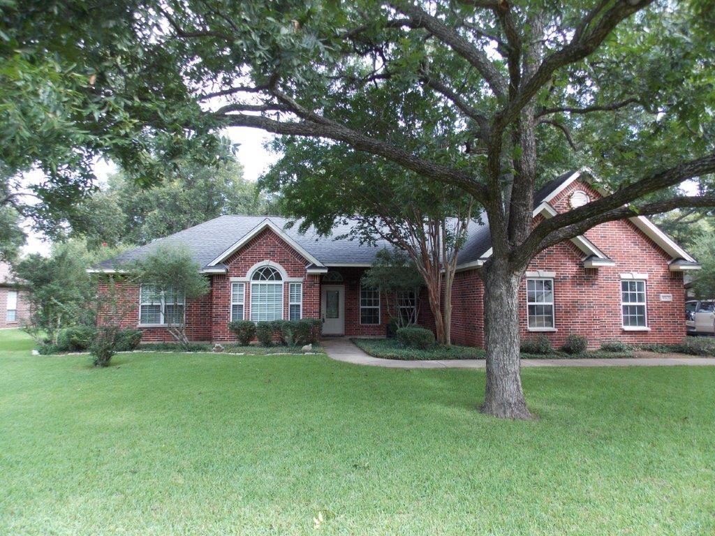 9013 Monticello Drive, Granbury, TX 76049
