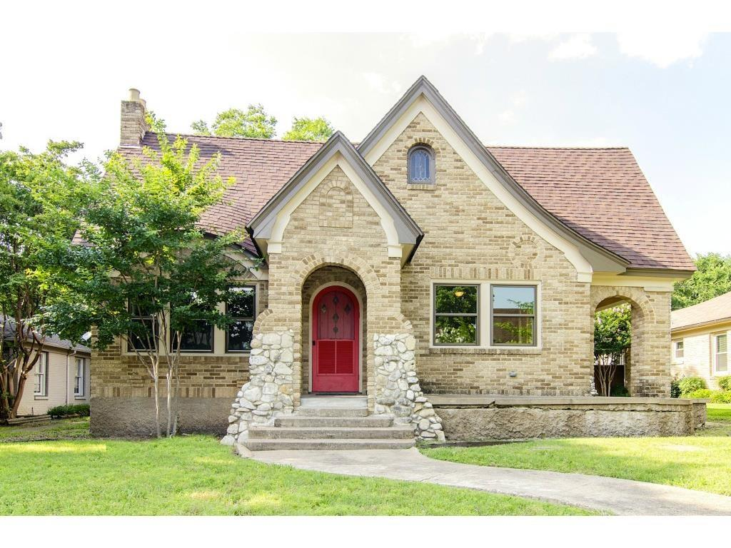 Best of M Streets completely updated, three bedroom, two full bath Tudor, located on one of the best blocks and streets in the sought after M Street area of Dallas. Chef's kitchen with Carrara marble, Viking range and hood, pristine hardwoods throughout, and charming master bath.