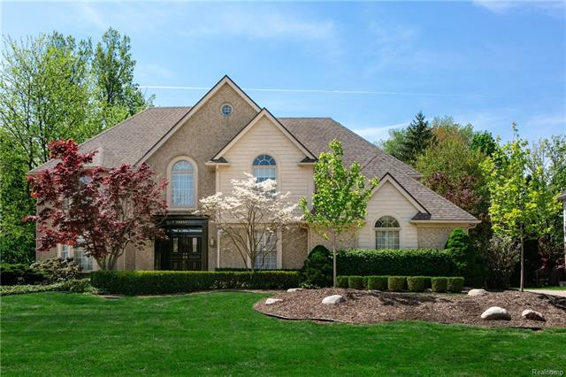 Trophy Property on a Spectacular Golf Course w/Southern Exposure! Luxurious deck and gazebo - perfect for entertaining.  Beautifully manicured tree lined backyard and gardens for the ultimate privacy. This Home is Showcased to Perfection! Stunning 2-story foyer with curved staircase, high-end quality upgrades throughout, formal living room w/bay window, formal dining room w/crown molding, library w/hardwood floors and views of the golf course, dramatic family room w/vaulted ceiling with tons of natural light from floor to ceiling windows.  Large gourmet kitchen with oversized custom octagon island, double oven, custom cabinets, eat-in nook with dual skylights.  Spacious master suite w/vaulted ceiling, his/her walk-in closets, glamorous master bath w/heated floors, separate jetted tub/shower, guest bedroom w/vaulted ceiling, guest bath w/separate tub/shower.  Owners recently updated windows, roof, security system and high efficiency furnaces.  Luxury at an affordable price – A MUST SEE!