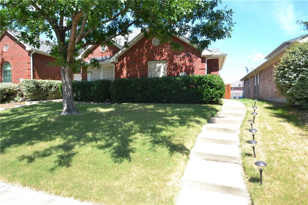 Fabulous opportunity for someone with a little elbow grease. Property has an open floor plan and vaulted ceilings thru out living and the kitchen. Kitchen overlooks the living room. bedrooms are split and master has a large closet. Home is close to restaurants and shopping.