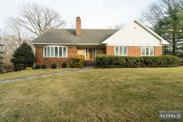 6 Fairview Drive, North Caldwell, NJ 07006
