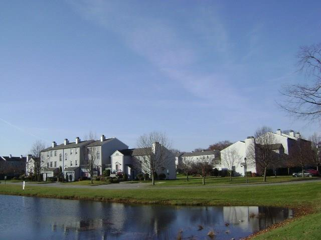 1 Willow Glen CIR, Unit#107, Warwick, RI 02886