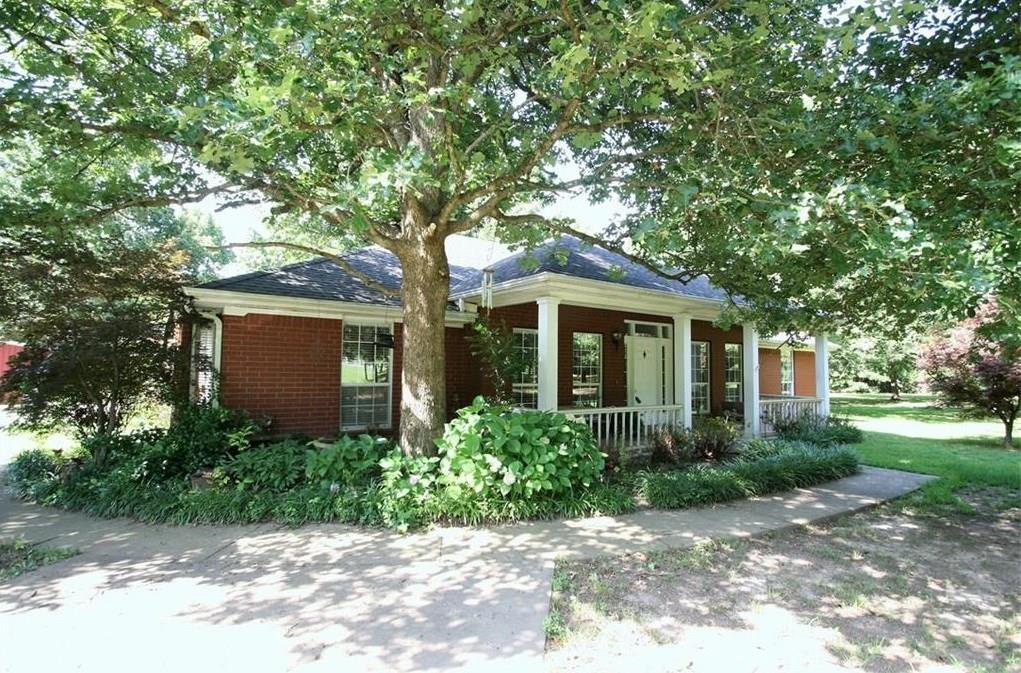 3069 W Howard Nickell RD, Fayetteville, AR 72704