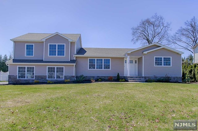 12 Debow Terrace, Pequannock Township, NJ 07444