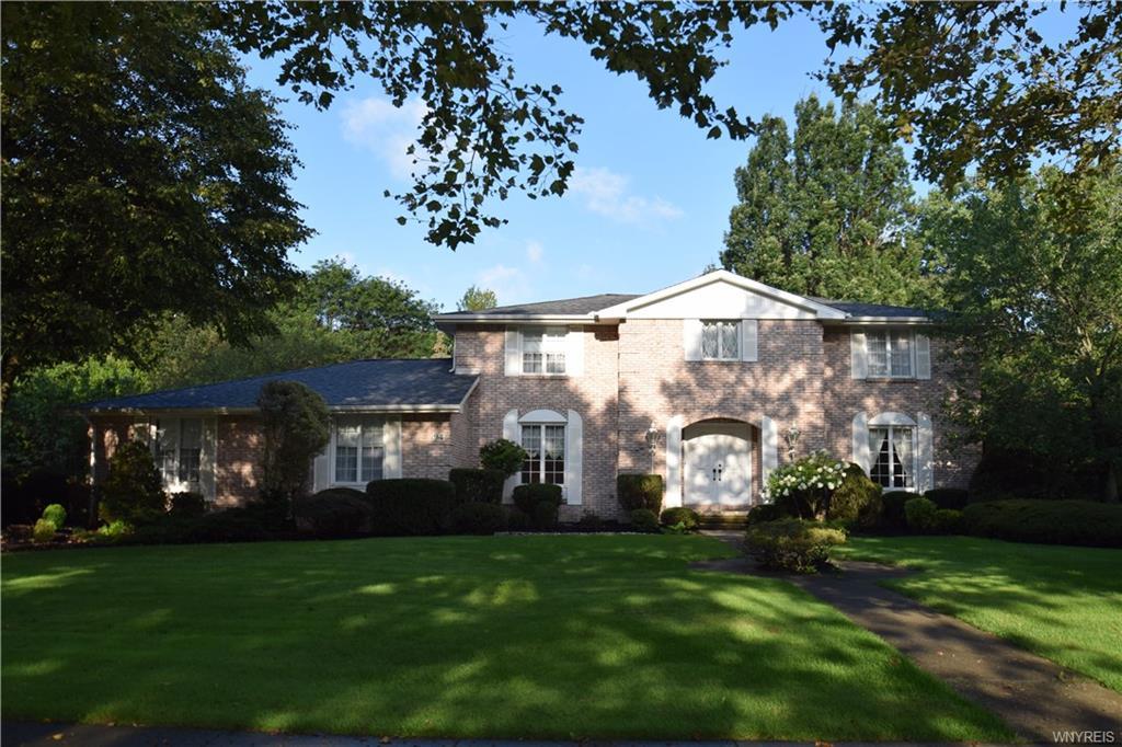 94 Chapel Woods, Amherst, NY 14221