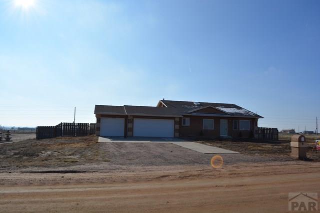 463 N Desert Cove Dr, Pueblo West, CO 81007