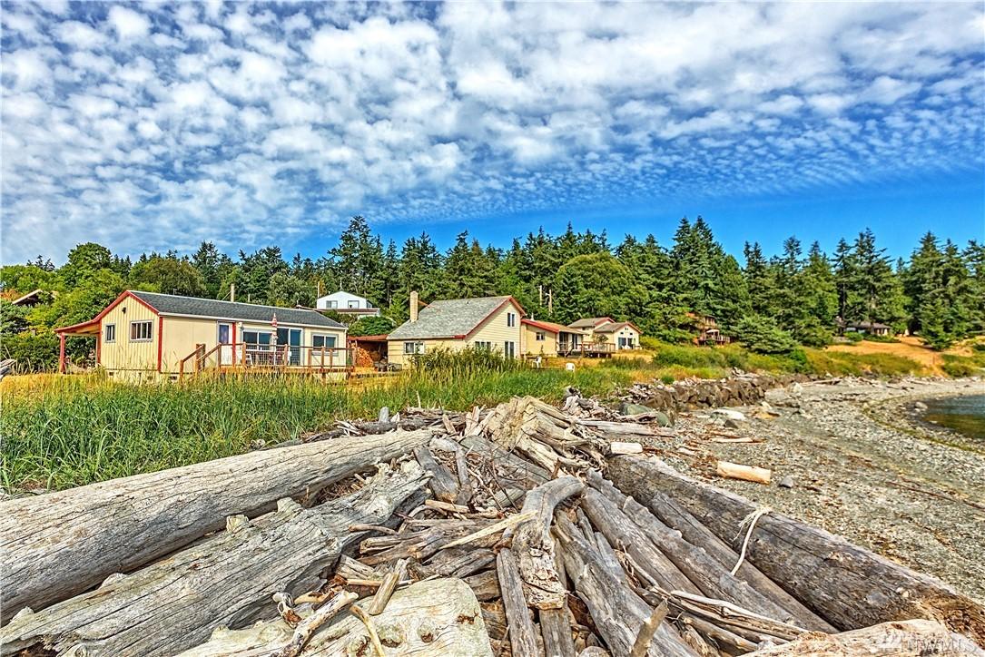 10 Beach Dr, Nordland, WA 98358