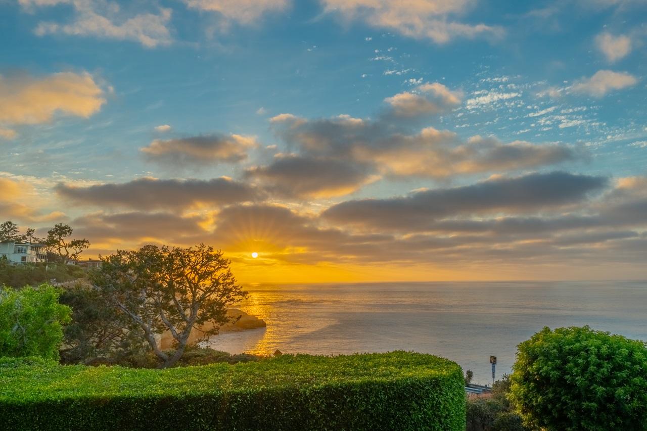 1585 Coast Walk, La Jolla, CA 92037