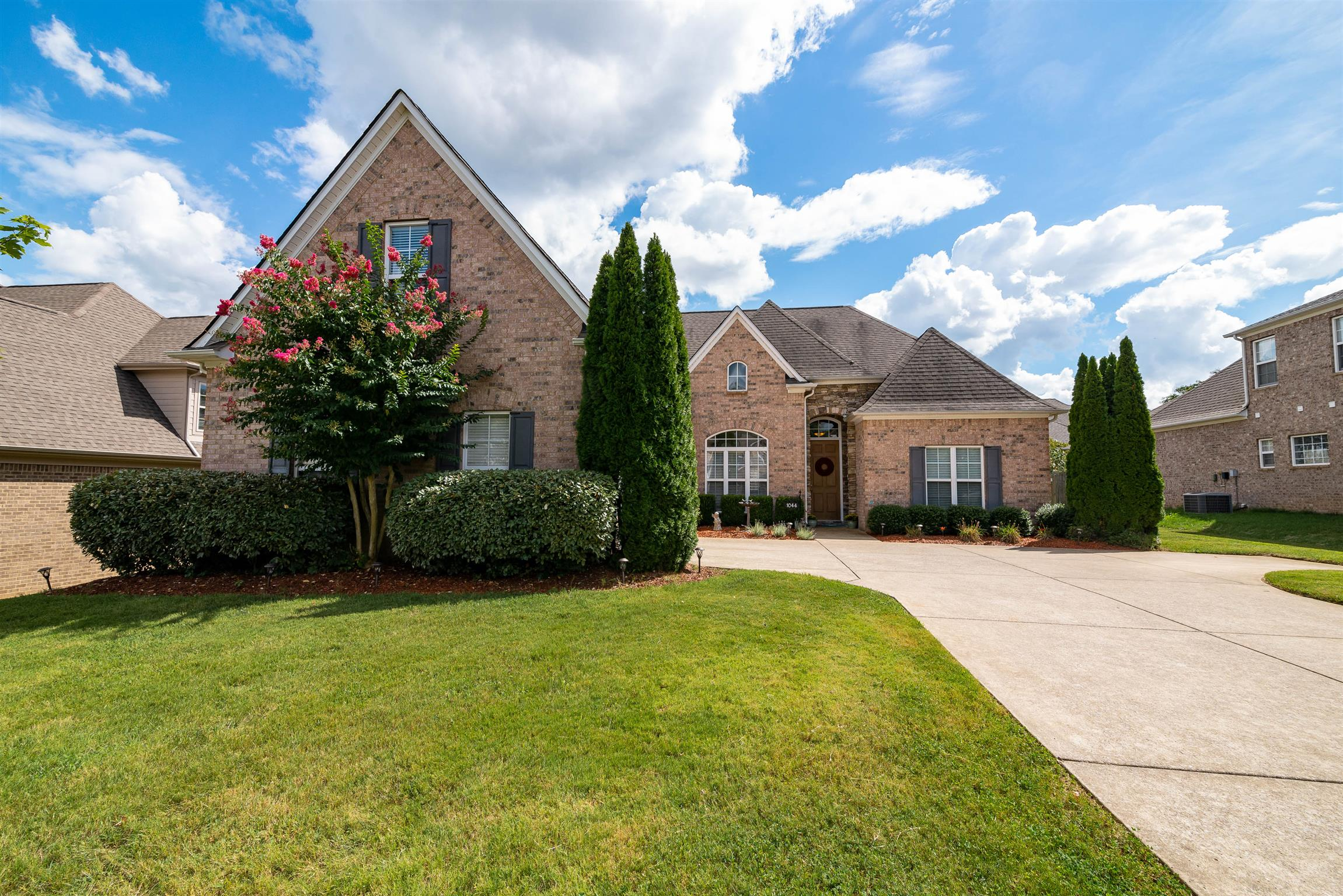 1044 Neal Crest Cir, Spring Hill, TN 37174