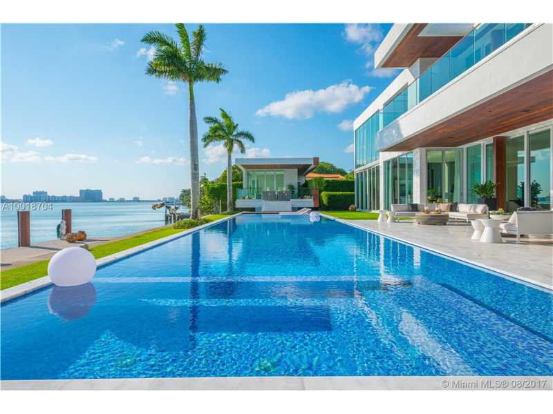 5446 N Bay Rd, Miami Beach, FL 33140
