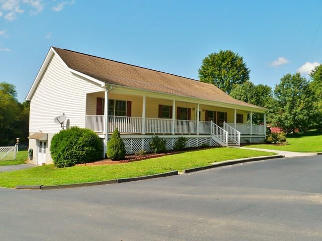455 Haughton Williams Road, Franklin, NC 28734