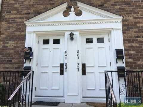 82 E Maple Street, Teaneck, NJ 07666