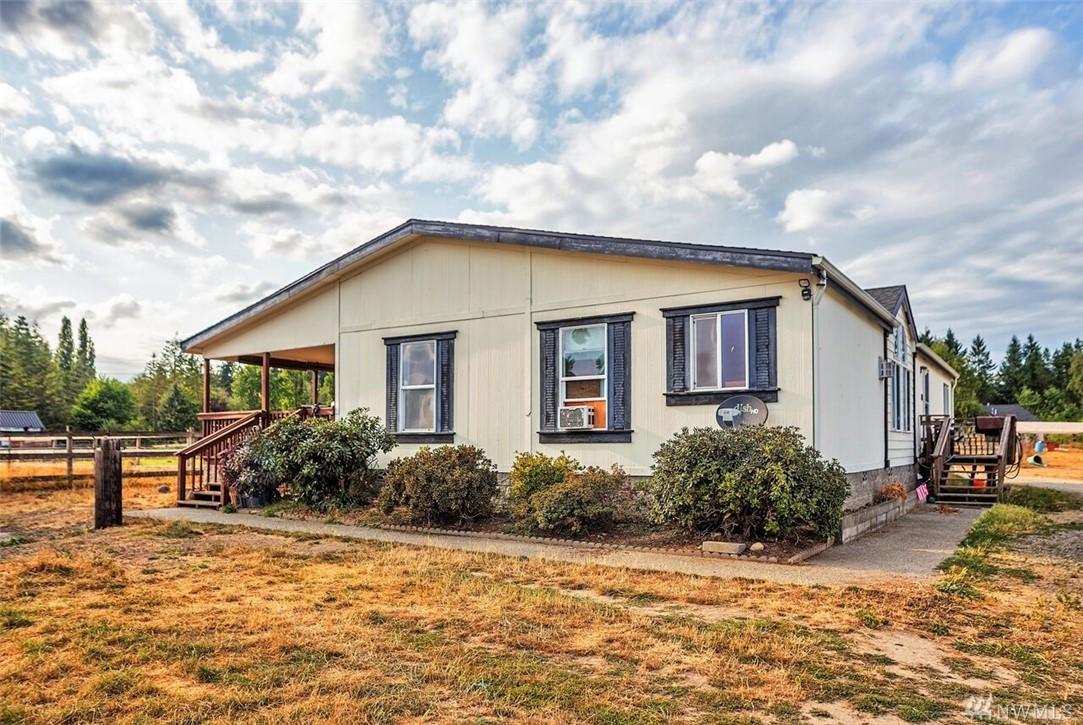 10538 Central Valley Rd NE, Poulsbo, WA 98370
