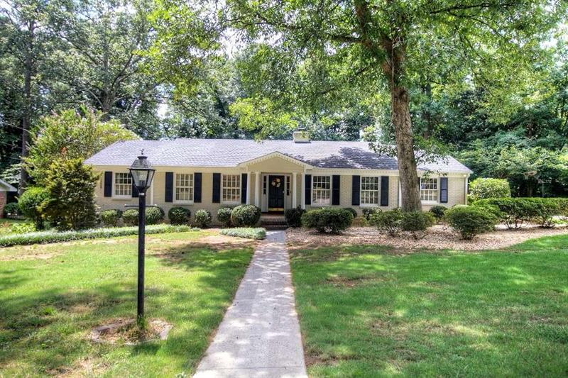 4311 Kings Point Circle, Dunwoody, GA 30338
