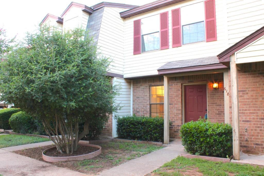 618 W Collins Street, Denton, TX 76201
