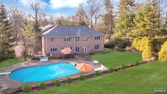 290 Devon Road, Tenafly, NJ 07670