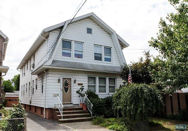 344 Willow Avenue, Lyndhurst, NJ 07071