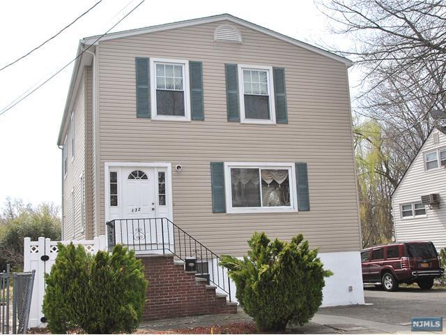 132 Phelps Avenue, Bergenfield, NJ 07621