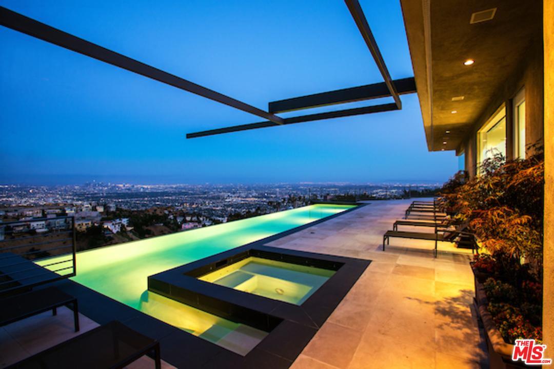 1646 BLUE JAY Way, Los Angeles (City), CA 90069