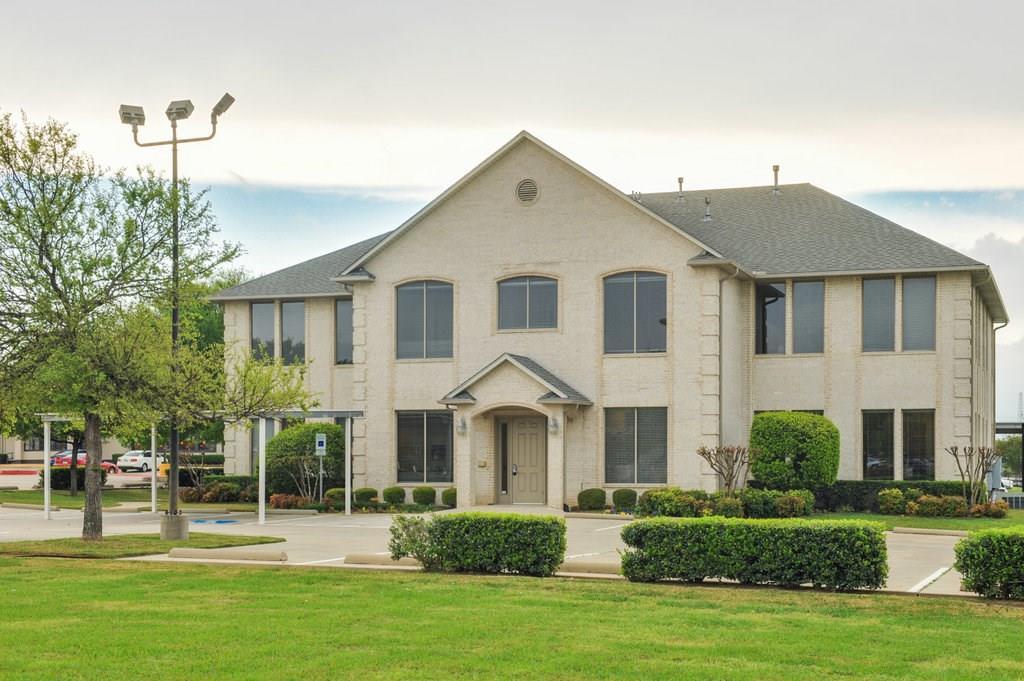 1720 Oak Village Boulevard 200, Arlington, TX 76017