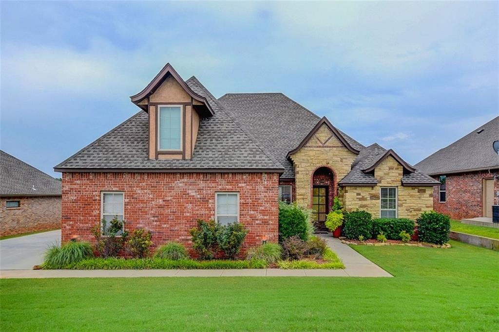 This is an image of a property in 117 Horizon View Court Summit Lakes Norman OK