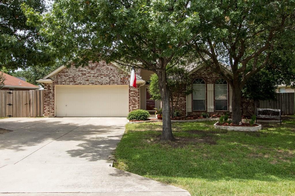 525 Ridgewood Street, Lake Dallas, TX 75065