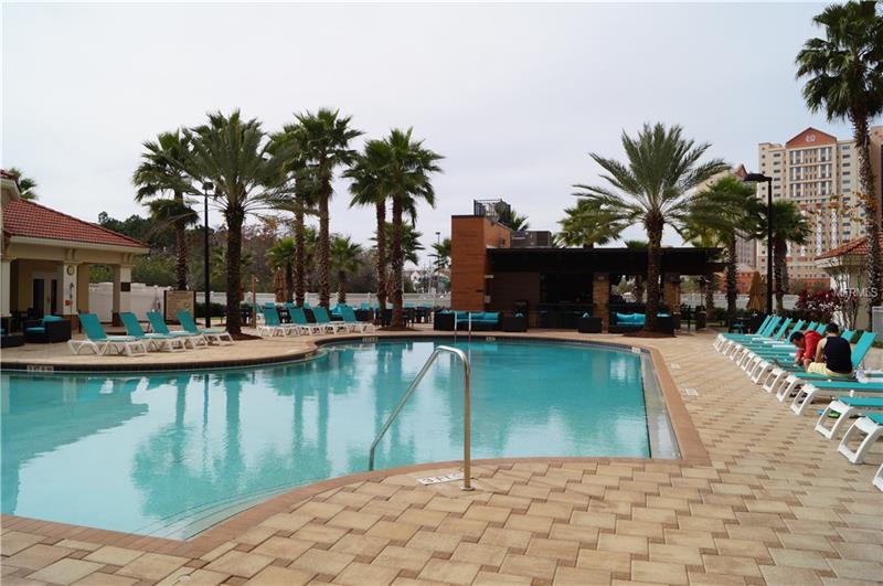 Attention investors, Best location in Orlando! Best Return available! Point Orlando Resort,  beautiful 1 bedroom fully furnished condo unit on ground floor facing swimming pool. Suite features separate bedroom with master bathroom and living area, with fully stocked kitchen and balcony. Excellent resort amenities include cabana pool bar & grill, lobby Barista, fitness center, theme park shuttles, business center, and conference facilities. Resort is located within close proximity of the world famous International Drive, Universal Studios and Wet 'n Wild parks, and the Orlando Convention Center. Whether for business or pleasure, this unit is ready! Call today to make an appointment!