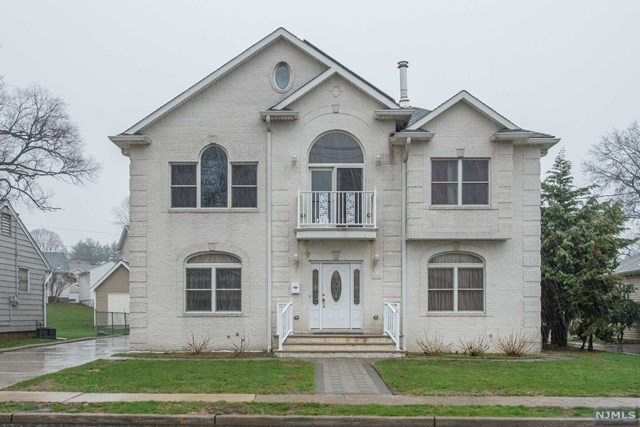 15 Donnalin Place, Clifton, NJ 07013
