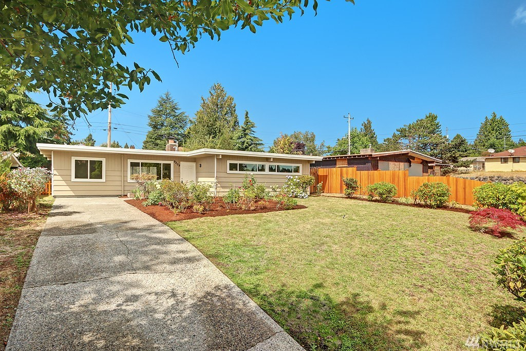 9209 29th Ave SW, Seattle, WA 98126