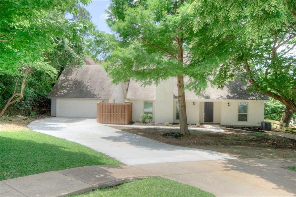 2206 Crooked Oak Court, Arlington, TX 76012