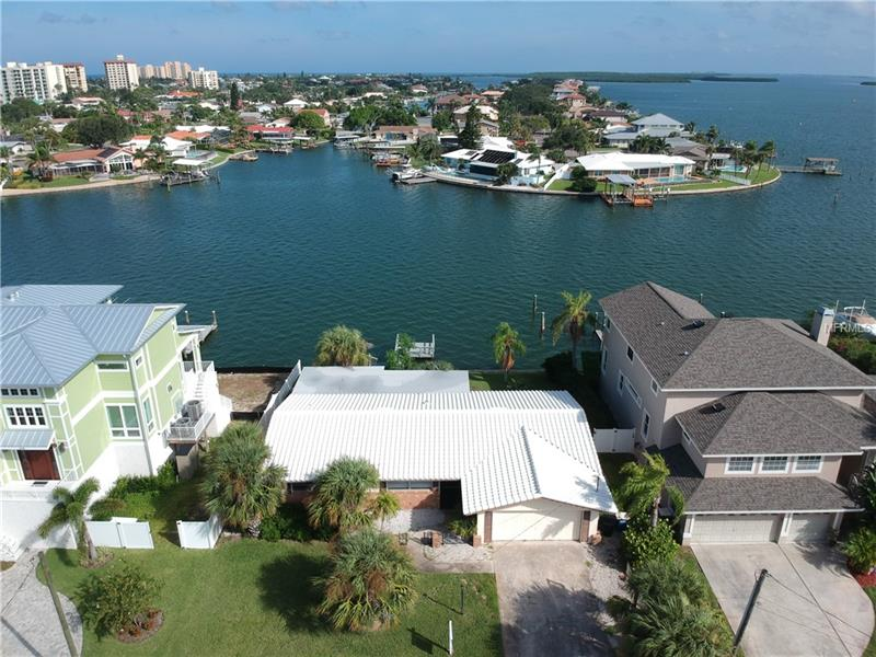 410 PALM ISLAND NE, CLEARWATER BEACH, FL 33767