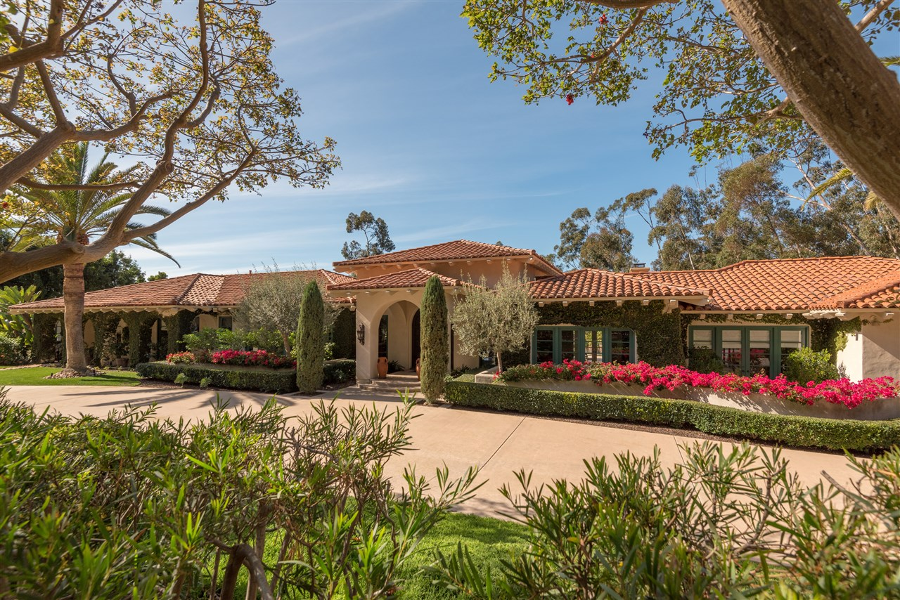 15564 Las Planideras, San Diego, CA 92067