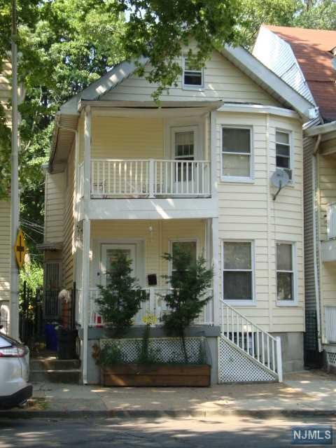68 9th Avenue, East Orange, NJ 07018