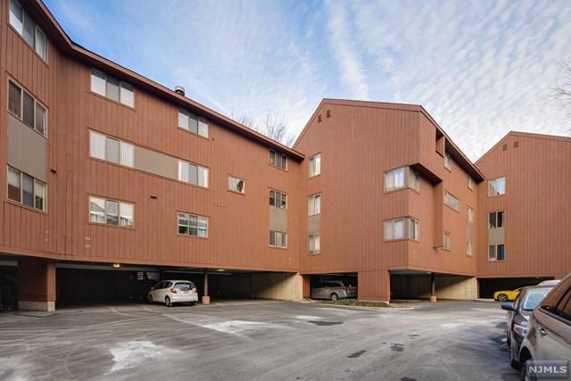 556 Sanderling Court, Secaucus, NJ 07094