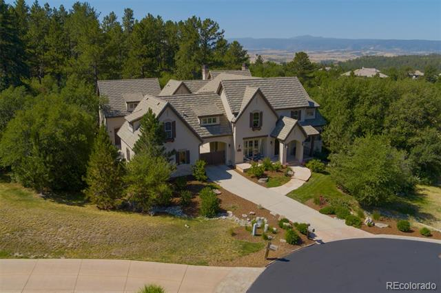 Exquisite 7 bed, 7 bath 2-story with mountain views. Designed by Knudson Gloss Architects this home features brand new walnut floors, cedar trusses, three fireplaces, dual staircases, a main floor study and ample entertaining space. Gourmet kitchen, custom cabinets, sleek granite counters, center island, farm sink, Viking appliances, charming breakfast nook and neighboring hearth room. Main floor master has a turreted sitting area w/ fireplace and a private terrace. Spa quality master bath with travertine floors, two marble-topped vanities, claw-foot soaking tub & glass enclosed shower. Upper-level bedrooms with en-suite baths and walk-in closets, plus flex-space ideal for a game room, study or fitness room. Additional bedroom or nanny's quarters is private with a full bath, storage and shares a spacious sundeck. Lower level boasts an enormous rec room providing ample space for a home theatre, game room, bar, and versatile space to make your own.