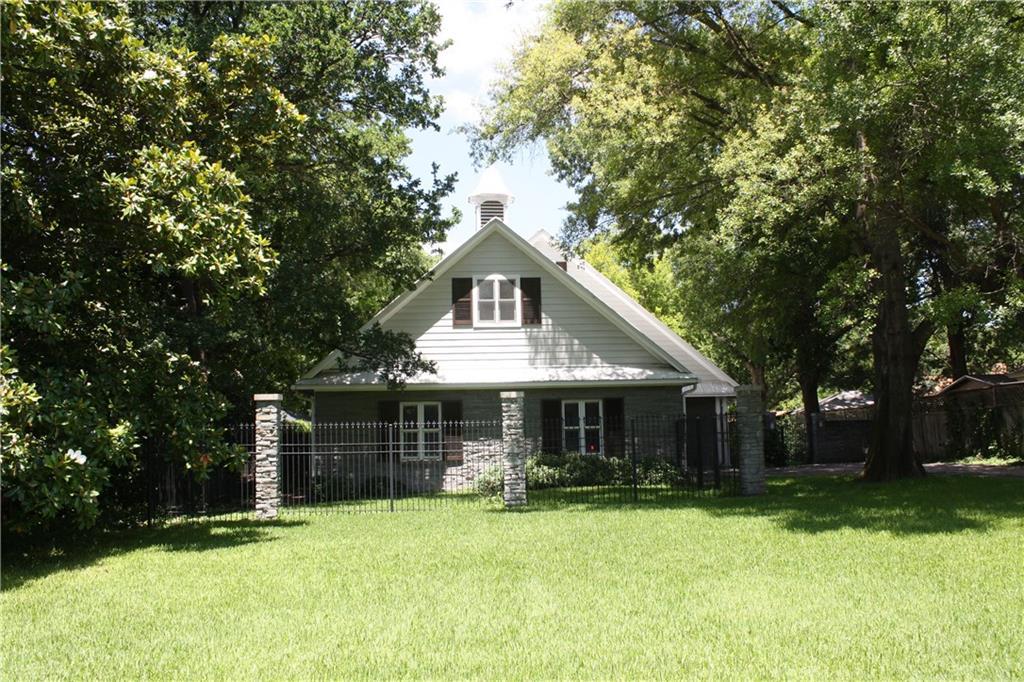 605 Mills Place, Corsicana, TX 75110