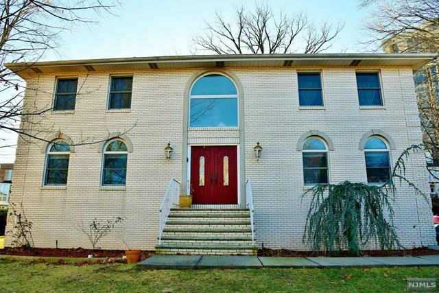2 State Rt 5, Fort Lee, NJ 07024