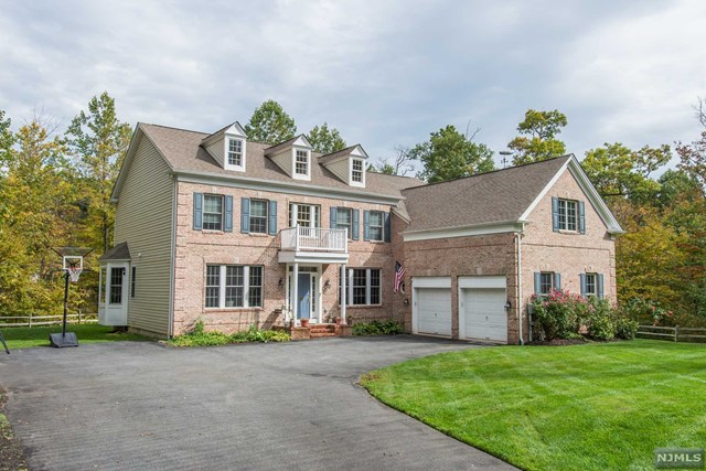 30 Monksville Court, Ringwood, NJ 07456
