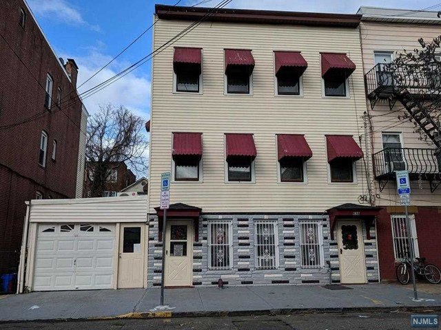 638 N 5th Street, Newark, NJ 07107