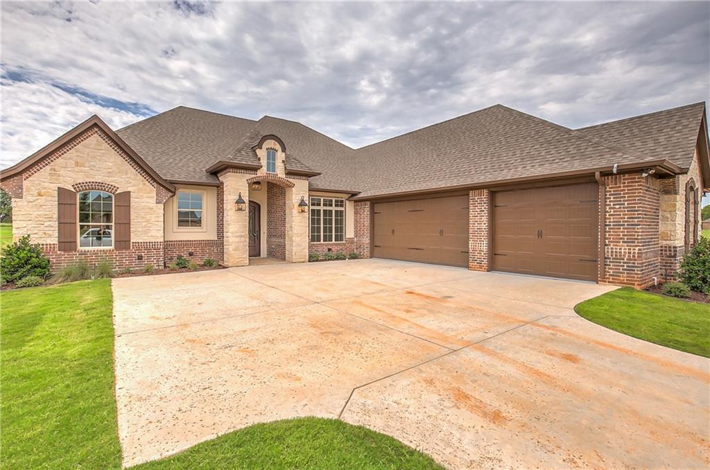 2081 Clive Drive, Granbury, TX 76048