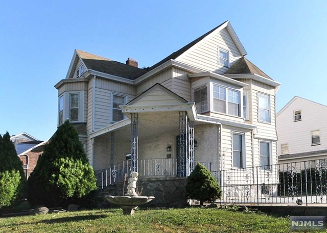 4 Stuyvesant Avenue, Kearny, NJ 07032