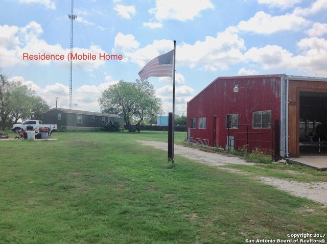 1804 2ND ST Pleasanton TX 78064