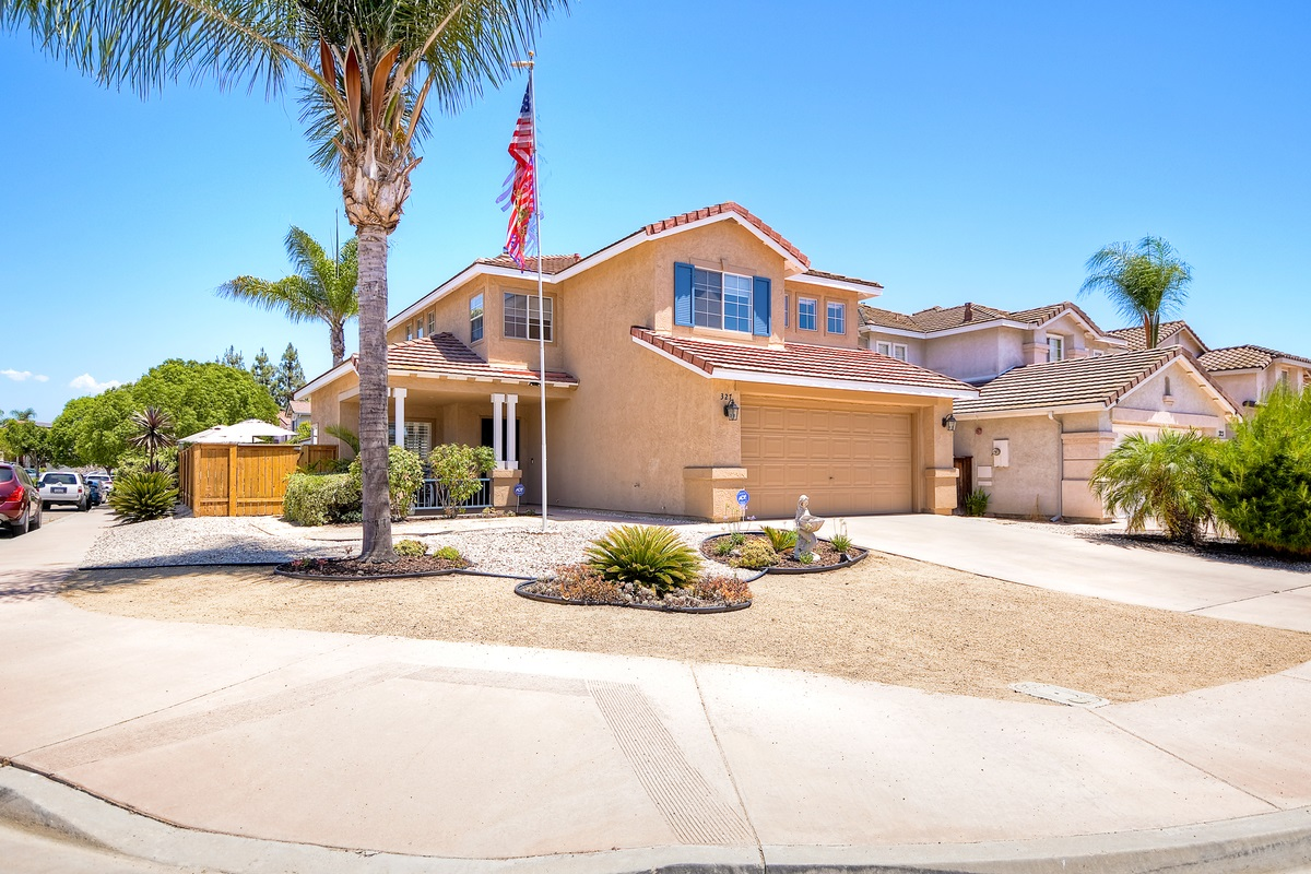 327 River Trail Pl, Santee, CA 92071