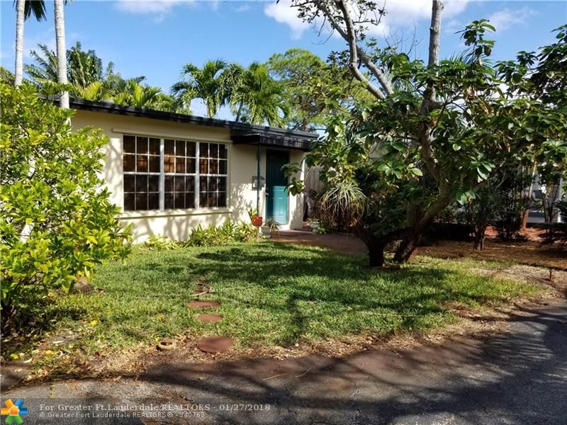 This is a great house with a very large backyard with pool.  Master bedroom has french doors leading out to the tropical paradise.  This is a three bedroom, two bath home with dining area off the kitchen.  Lots and lots of storage that you normally wouldn't find.  Home is located close to shopping and entertainment.