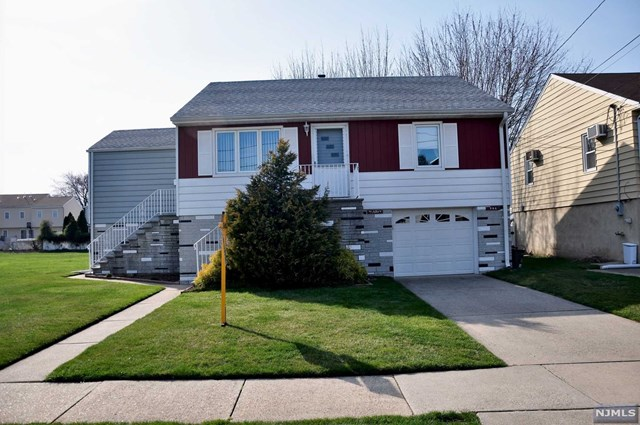 26 Edstan Drive, Moonachie, NJ 07074