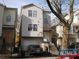 889 Hunterdon Street, Newark, NJ 07112