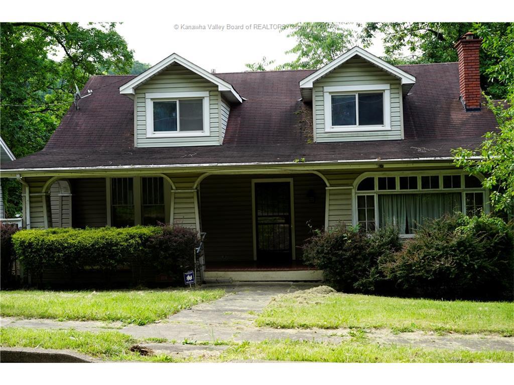 1104 Edgewood Drive, Charleston, WV 25302