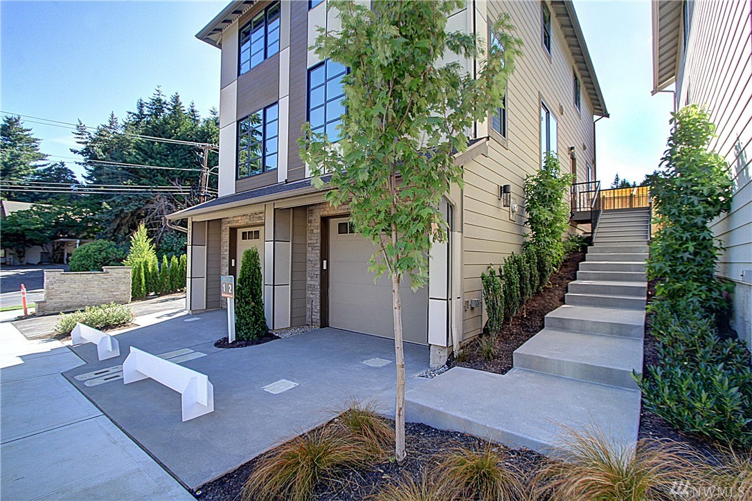 14113 74th Ct NE 2, Kirkland, WA 98034