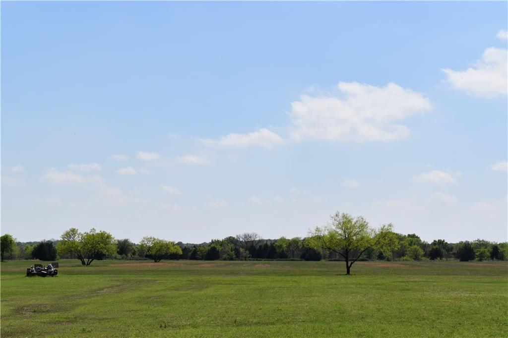 572 W Hinton West Of Hwy 377 Road, Tioga, TX 76271